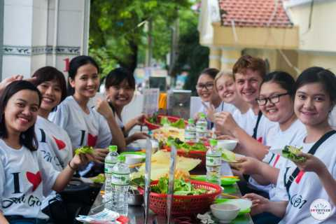 Ho Chi Minh City: Vegetarian Food Night Tour by Scooter