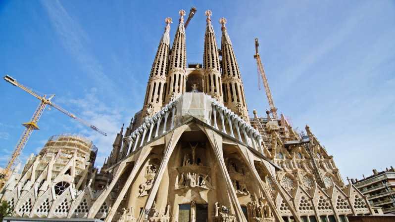 Barcelona Sagrada Familia Half Day Tour With Hotel Pickup Barcelona Spain Getyourguide