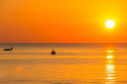 Rimini: Beach Umbrella, Drink, and Music at 70 Beach