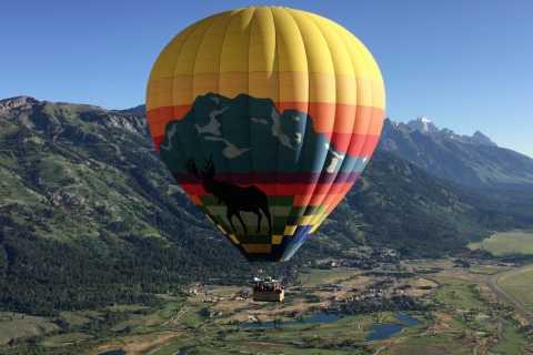 Voo de balão de ar quente do nascer do sol de Jackson Hole