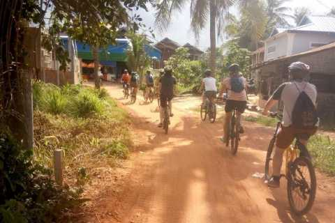 Siem Reap: Countryside Cycle and Local Village Life Tour