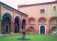 Bologna: Besichtigung der Basilika von Santo Stefano mit Verkostung von ...