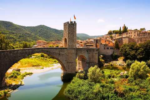 Besalú and Medieval Towns Tour with Hotel Pickup