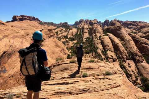 From Moab: Full-Day Zig Zag Canyon Canyoneering Experience