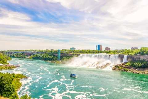 Niagara Falls, USA: Canadian Tour & Maid of The Mist