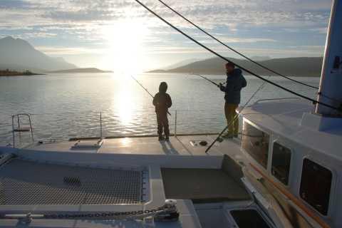 Tromsø: Luxury Catamaran Fishing Trip