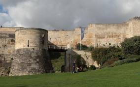 Caen Like a Local: Customized Guided Walking Tour