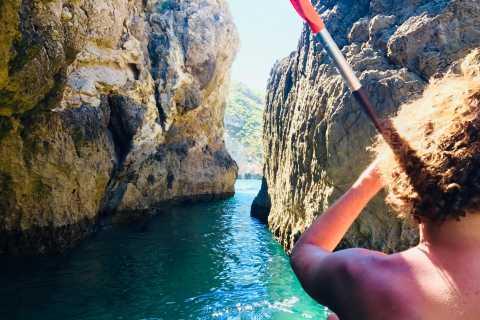 Lisbon: Full-Day Sesimbra Kayak Tour with Picnic