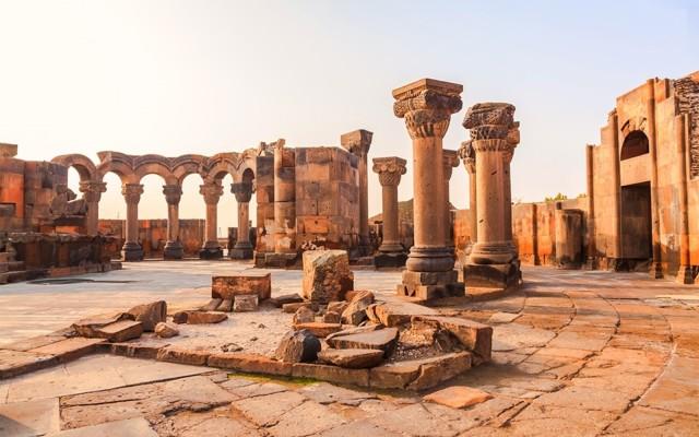 Yerevan: Echmiadzin, Zvartnots, Lake Sevan en Dilijan Tour