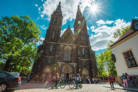 Praag: Vyšehrad Castle Tour op E-scooter Hugo Bike
