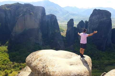 Meteora 2-Day Tour by Train from Thessaloniki