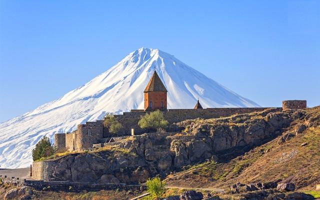 Privétour: Khor Virap, Areni-grot en Tatev-klooster