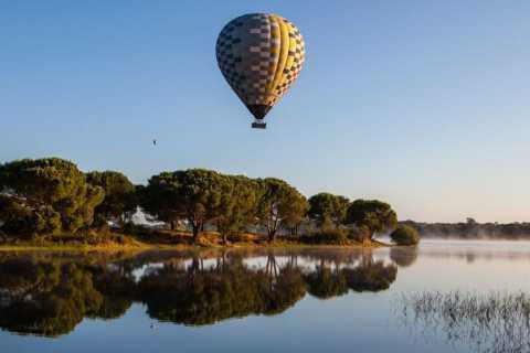 Coruche: 1-Hour Hot Air Balloon Ride at Sunrise