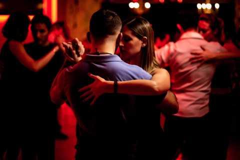 Noite de Tango com Moradores Locais