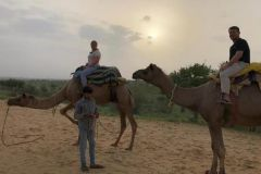 Jaisalmer: pernoite em barraca suíça com safári de camelo