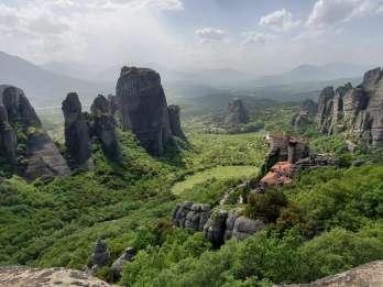 Athen: Zugfahrt nach Metéora & Klostertour