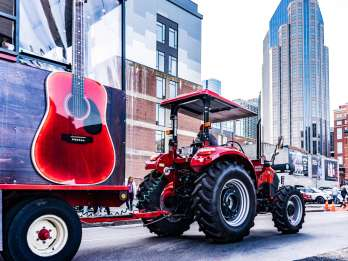 Nashville: Traktor-Party-Tour