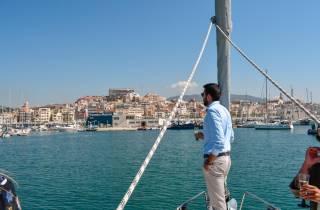 Barcelona: Segeltour & Weingut-Besuch mit Verkostung