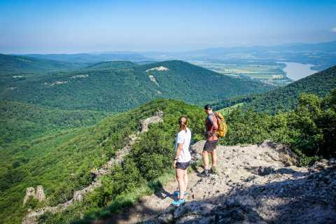 Danube Bend: Full-Day Hiking Tour from Budapest