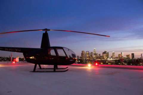 Los Angeles: Downtown Landing Helicopter Tour