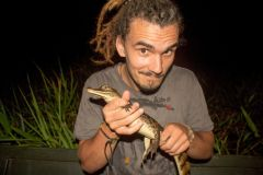 Manaus: Tour com Pesca de Piranha e Observação de Jacarés