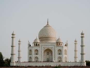 Agra: Taj Mahal Ticket ohne Anstehen mit Mausoleum-Zutritt