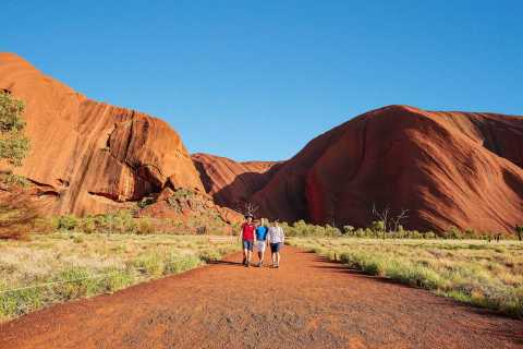 Uluru: Sacred Sites & Sunset Tour with Wine & Cheeseboard