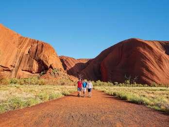 Uluru: Heilige Stätten bei Sonnenuntergang mit Wein & Käse