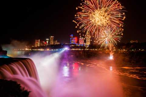 Niagara Falls (USA): tour delle luci con la Maid of the Mist