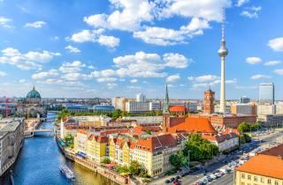 Berliner Fernsehturm: Schnelleinlass mit 3-Gänge-Abendessen