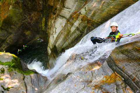 Verzasca Valley: 4-Hour Canyoning in Corippo