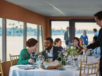 San Diego: Schiffstour mit Abendessen