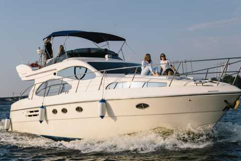 Kiev: VIP 2-Hour Private Yacht Trip with Drinks Included