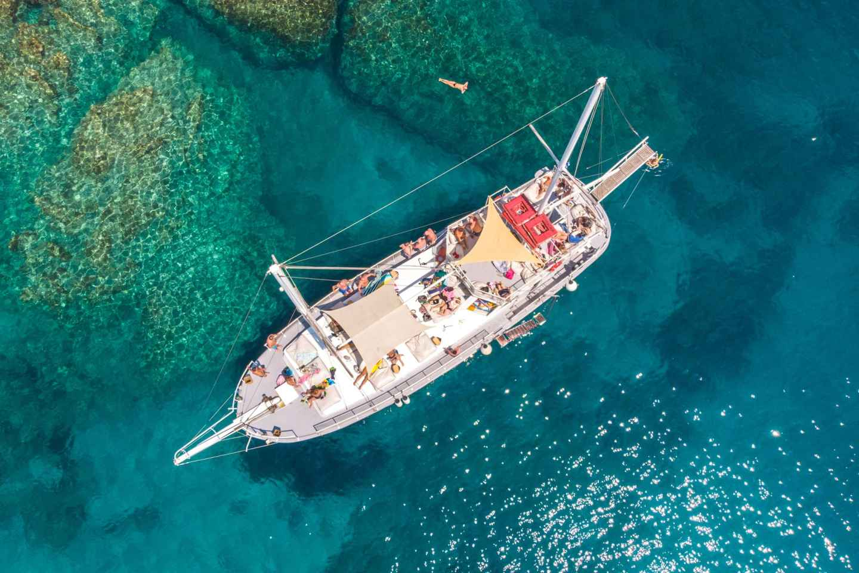 Ab Rhodos: Tagesbootsfahrt mit Schnorcheln und Mittagsbuffet
