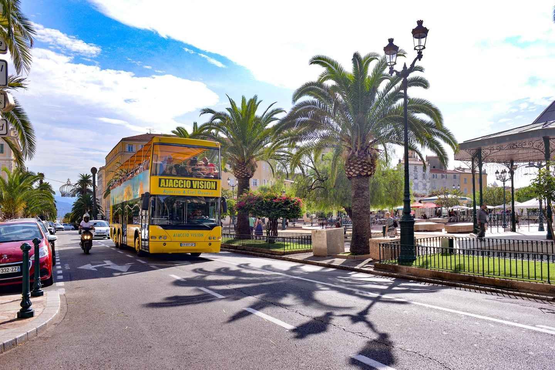 Ab Ajaccio: Stadtrundfahrt im offenen Sightseeingbus
