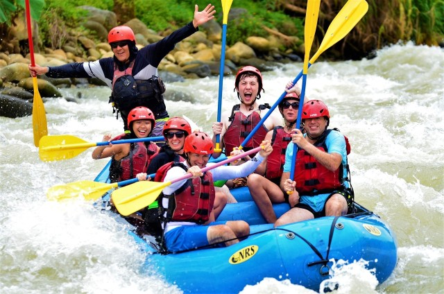 Van Quepos: White Water Rafting Savegre River