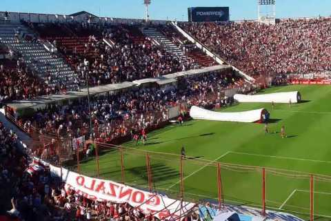 Buenos Aires: Football Match Experience with a Local