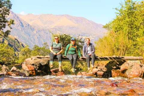 Cusco: 4-Day Lares Trek to Machu Picchu with Panoramic Train