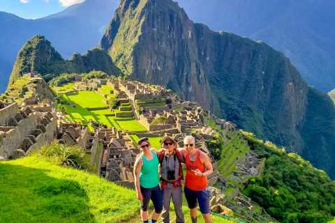 Aguas Calientes: ticket oficial de Machu Picchu, bus y guía