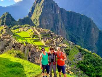 Aguas Calientes: Machu Picchu - Ticket, Bus & Guide