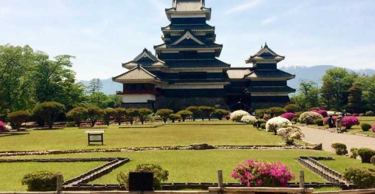 From Nagano: 1-Day Matsumoto Castle and Local Food Tour