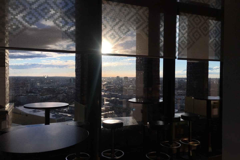 Berlin: Panoramapunkt mit Crémant im Café - Kombiticket