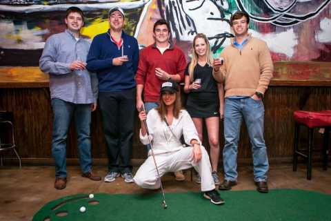 Nashville: 2-Hour Golf Cart Bar Crawl Tour