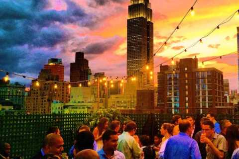 Skip-the-line: 4-Hour New York Rooftop Bars & Lounges Tour