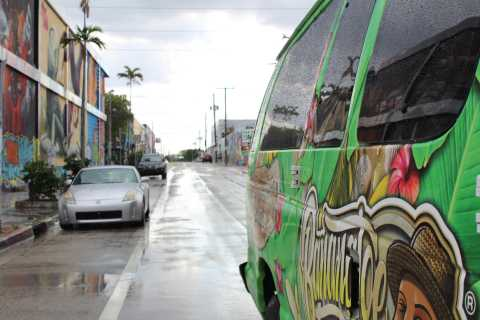 Miami: 5 Hour City Tour and Speedboat Ride with Pickup