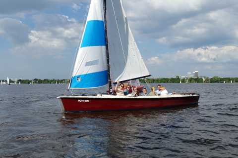 Hamburg: Private 1.5-Hour Sailing Trip on Alster River
