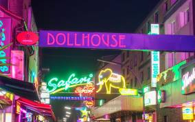 Reeperbahn: 2.5 hour Crime, Sex workers & St Pauli Tour