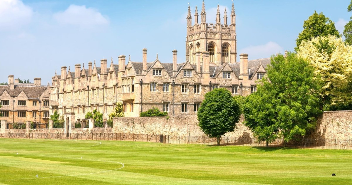 Oxford Full-Day Tour from London with Train Transfers