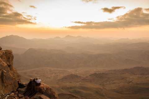 Fra Sharm: Vandring på Sinaifjellet i soloppgangen