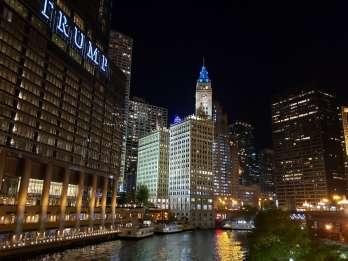 Chicago: Fluss- & Lakefront-Fahrt bei Nacht